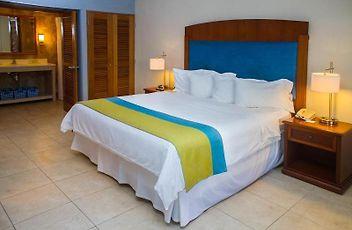 deluxe garden room king bed terrace - Wyndham Garden Palmas Del Mar